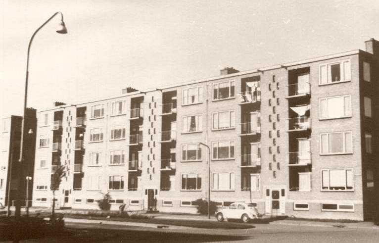 De eerste flats, 1971