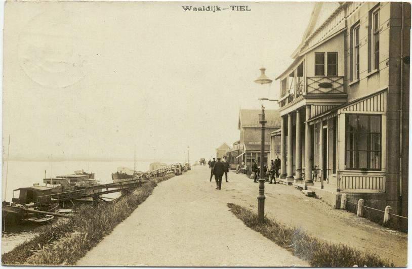 Café's aan de Waaldijk